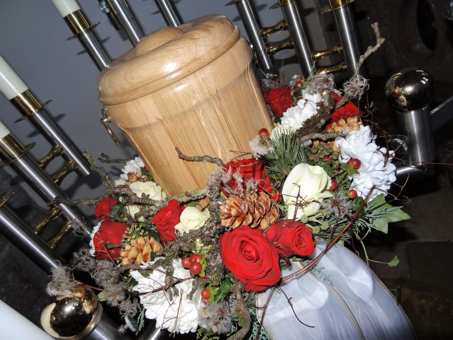 floral kreativ Petra Mandl Trauer 9